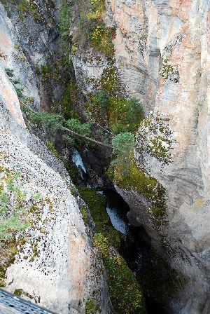 Maligne Canyon2