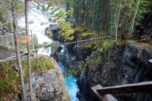 Sunwapta Falls3