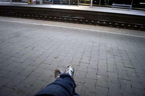 Bahnsteig_einsam