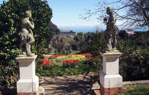 1 Candie Gardens