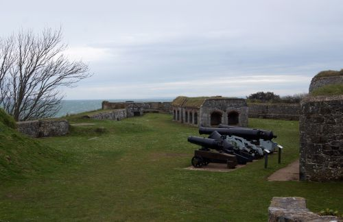 6 Clarence Battery